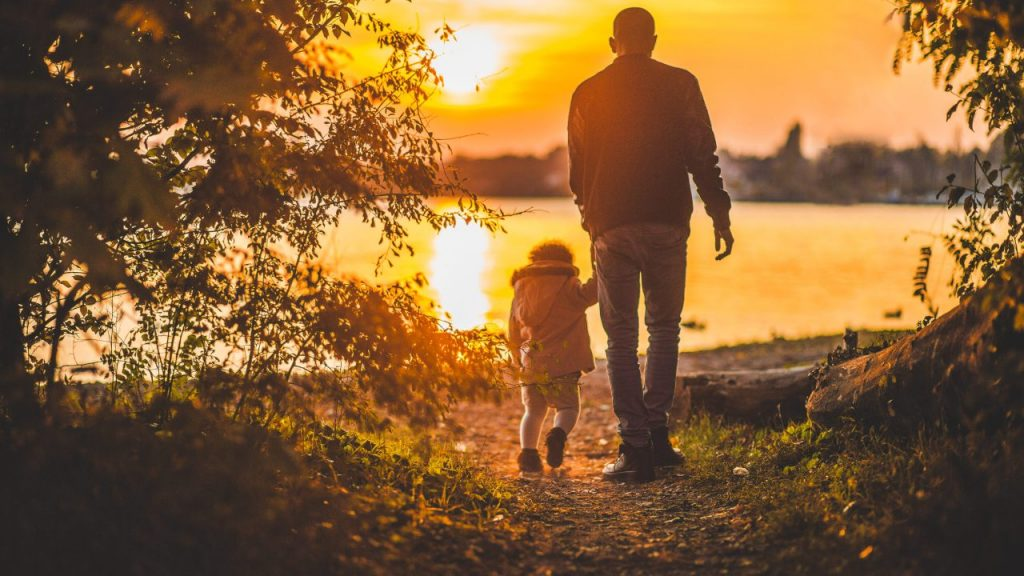 Parent_Parenting_Fathers_Article_2999_father-child_pexels-3-scaled