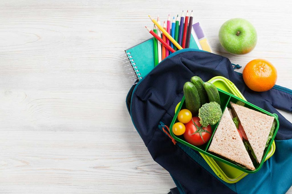 lunch-box-and-school-supplies-P7WAPTT