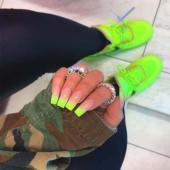 Neon nail trends 2021
